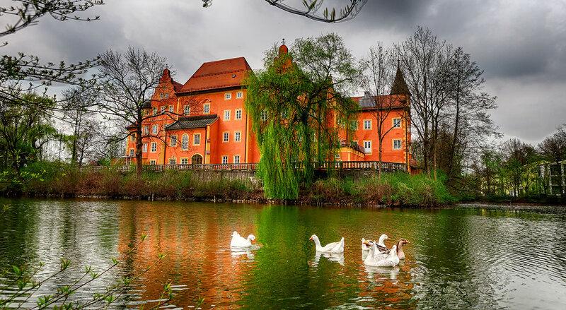 Wasserschloss Taufkirchen.jpg