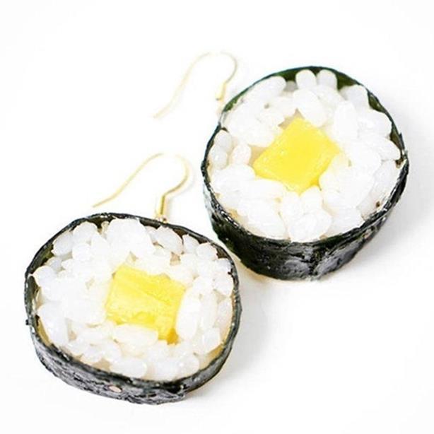 Японские квадратные арбузы, груши и украшения из продуктов