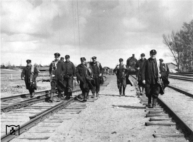 Связисты Имперских железных дорог.jpg