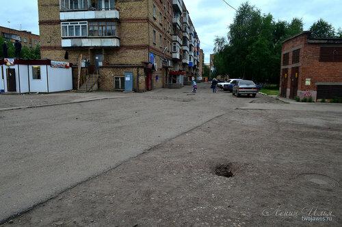 Фото города Инта №8043  Северо-восточный угол Воркутинской 12 02.07.2015_17:00