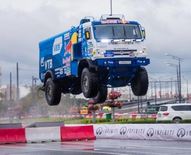 «КАМАЗ» взлетел наKazan City Racing