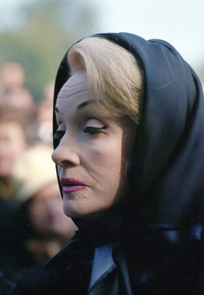 Марлен Дитрих на похоронах Эдит Пиаф. Октябрь 1963 года.