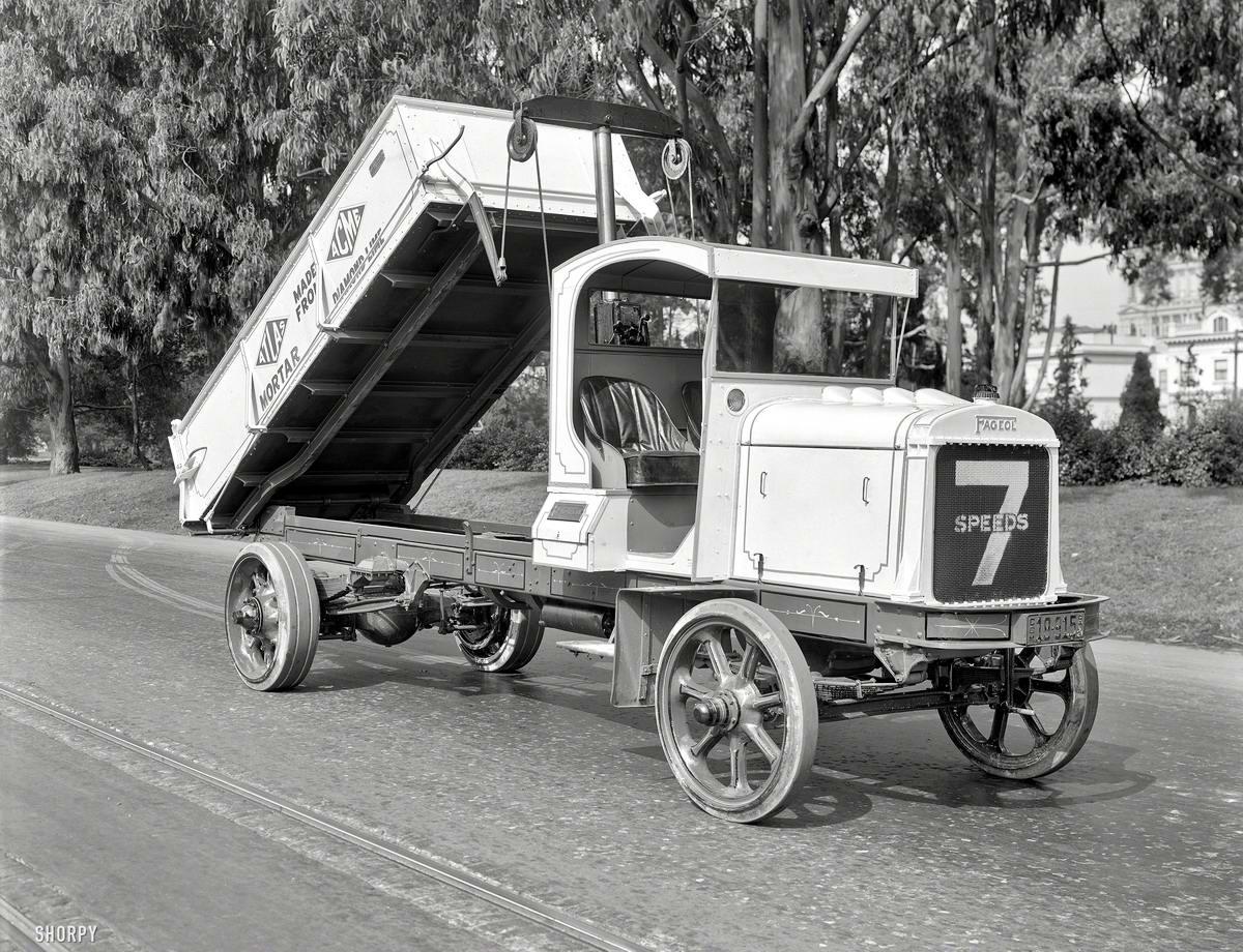 Специализированные транспортные средства начала 20-го века на снимках американских фотографов (31)