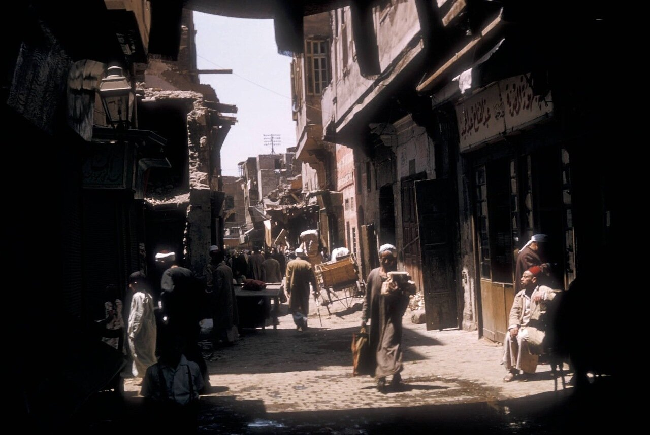 Уличная сцена в старом городе