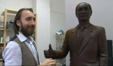 В Петербурге изготовили шоколадную статую Владимира Путина