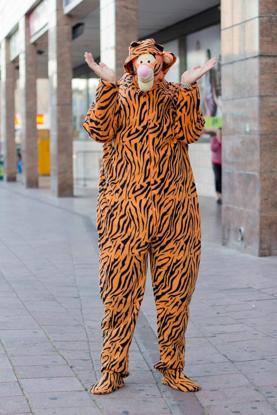 «Кого ты убил, чтобы раздобыть такой костюм?» Тигр Тиггер.