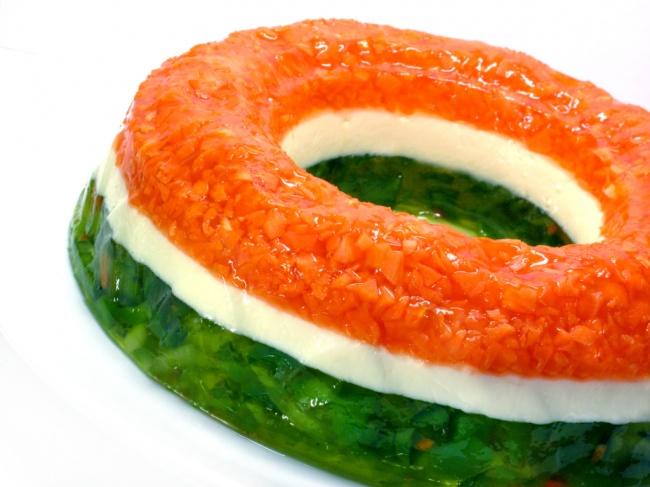 Желейный салат, который едят в США, у иностранцев не вызывает ничего, кроме недоумения. В основе все