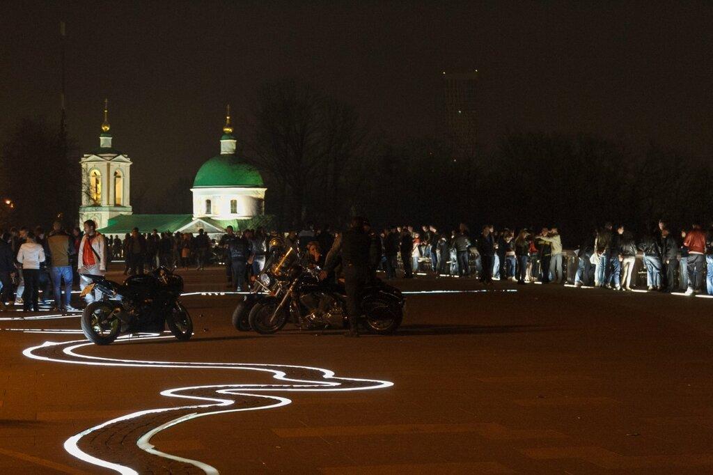 Смотровая площадка вечером, Москва, Воробьевы горы