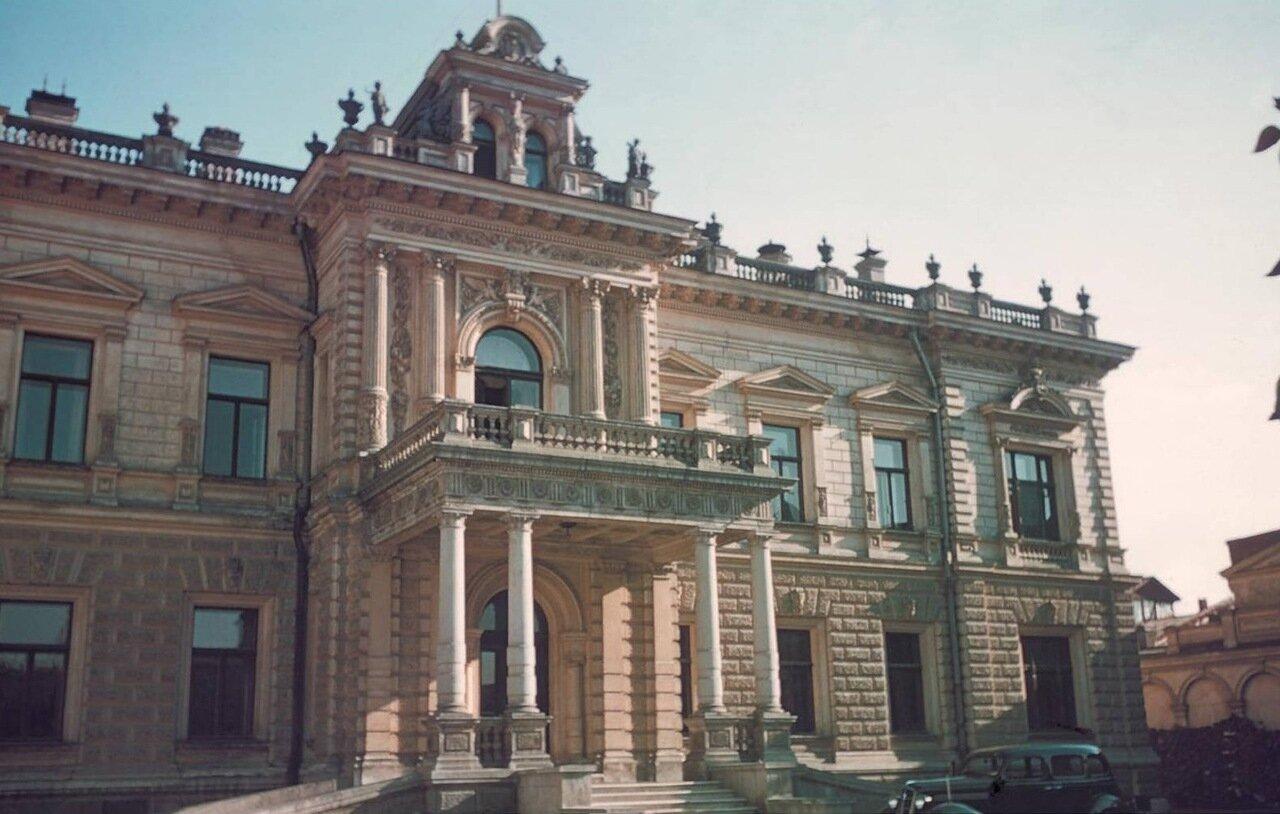 Дом на Софийской набережной