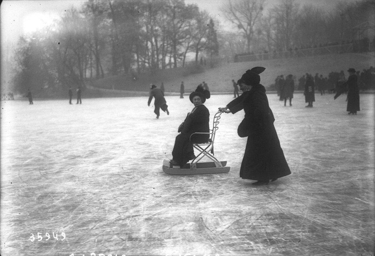 1914, 18 января, Булонский лес катание на коньках по замерзшему озеру