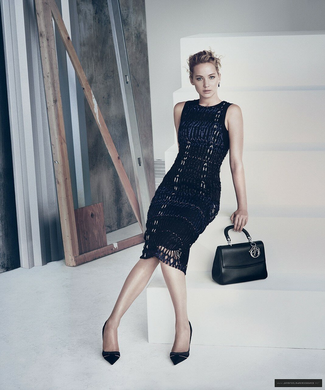 Фото актрисы Дженнифер Лоуренс (Jennifer Lawrence) для рекламной кампании линии сумок Dior сезона весна–лето 2015