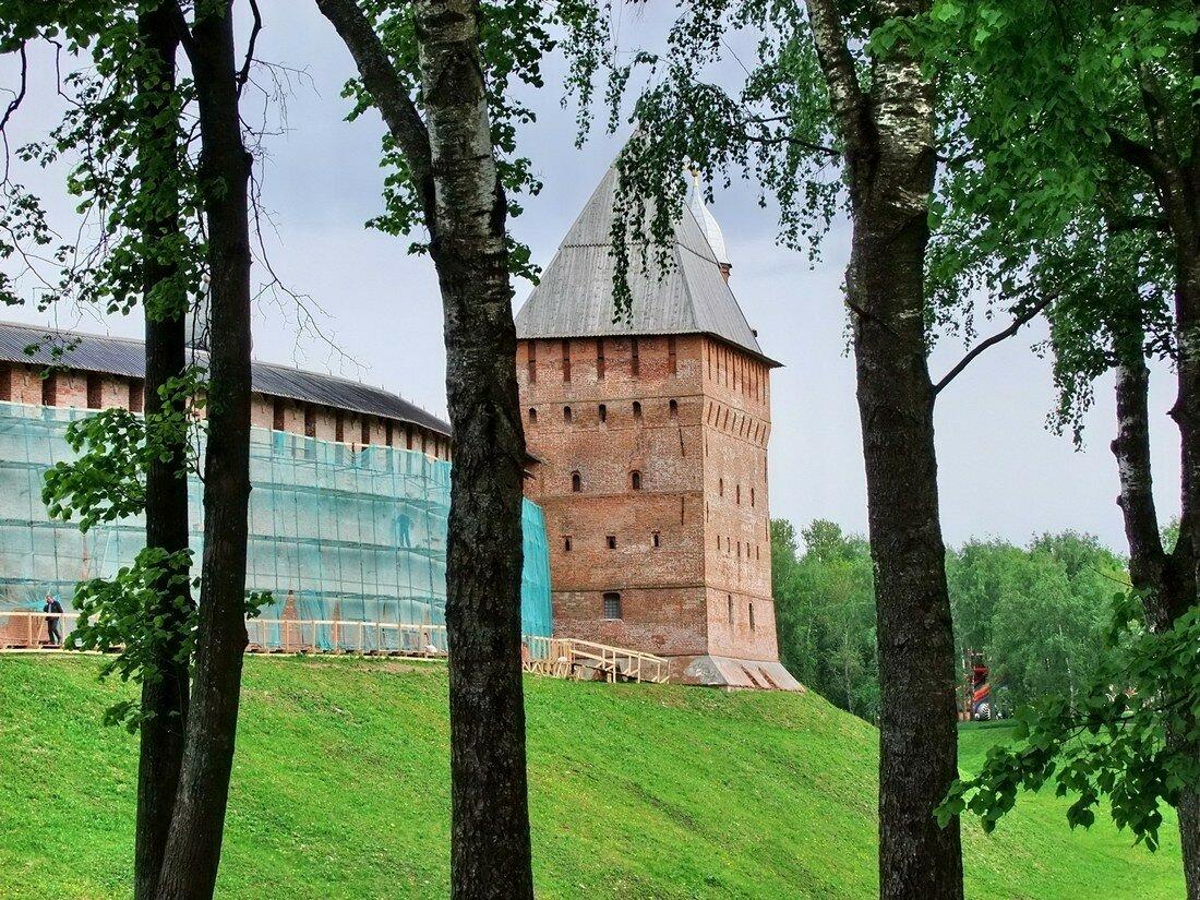 Великий Новгород. Вокруг Кремля.