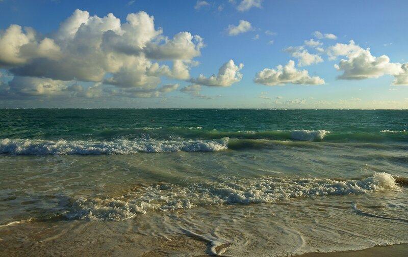 В декабре бывает не спокоен  Океан.