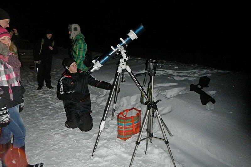 Телескоп и участники выезда: Астрономический выезд в Жданухино