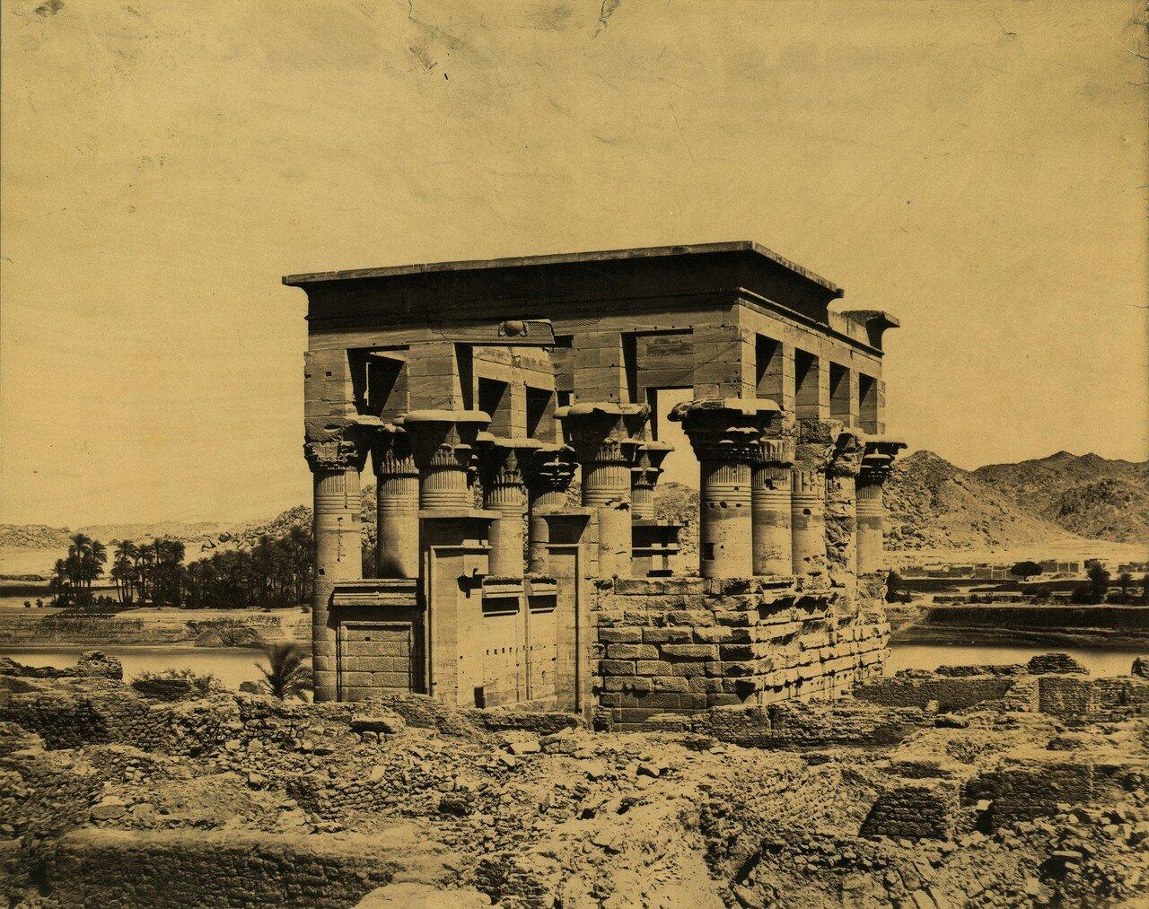 Филе. Киоск императора Траяна