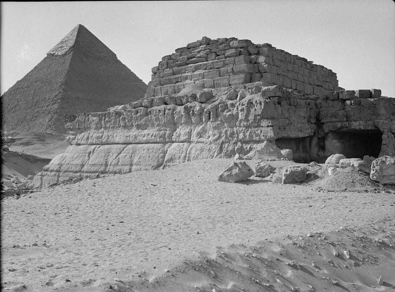Гиза. Четвертая пирамида (недавно обнаруженная). 1920