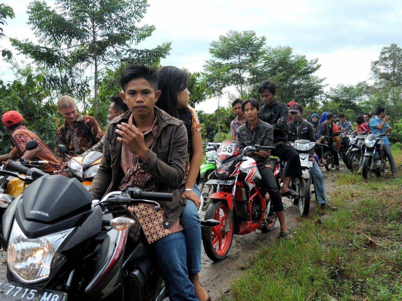 мотоколонна в индонезии