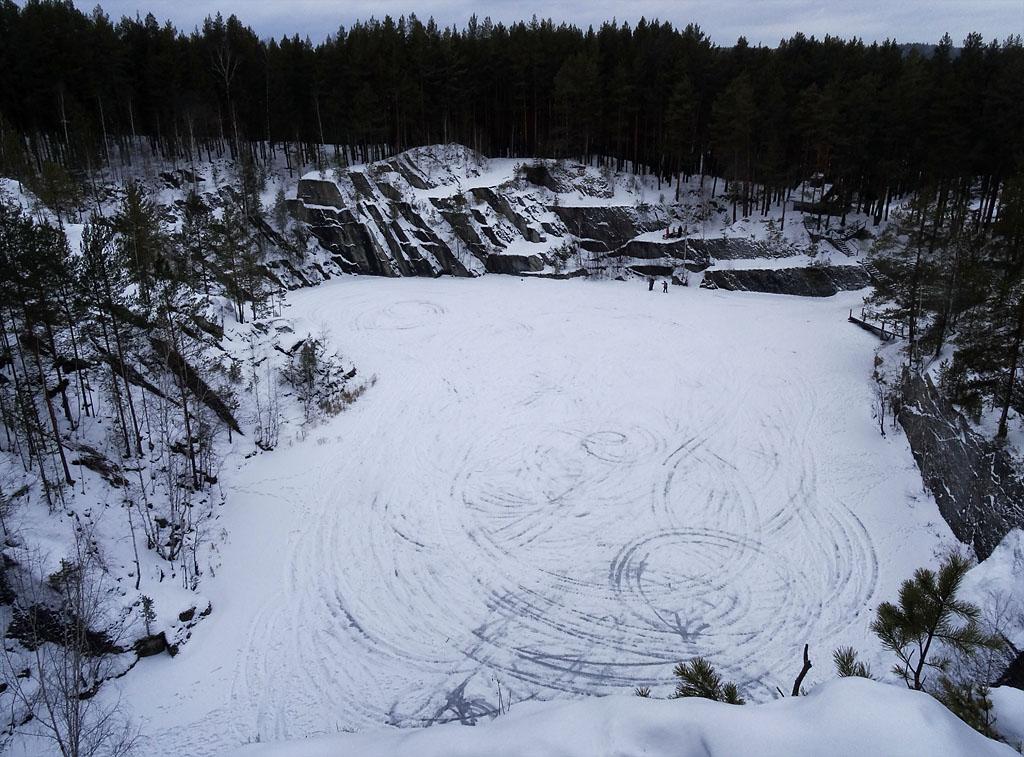 """Фото 26. Озеро Тальков камень зимой. Фотография снята на цифровой зеркальный фотоаппарат Sony DSC HX50. 100, 4.3 (24), 8, 1/15. Опять же, мне нужно было ввести коррекцию экспозиции +0,3...+0,7 EV, так как цифровые фотоаппараты """"путают"""" баланс белого зимой. Это относится не только к ультразуму, но и ко всем типам камер."""