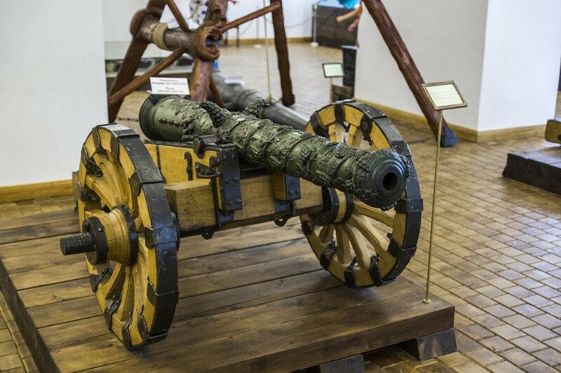 Несвижский замок - арсенал - пушка