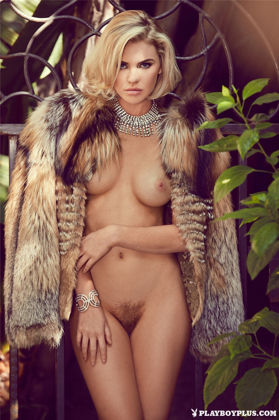 Девушка месяца Кейсли Коллинс / Kayslee Collins - Playboy USA Miss February 2015 / Venus in Furs