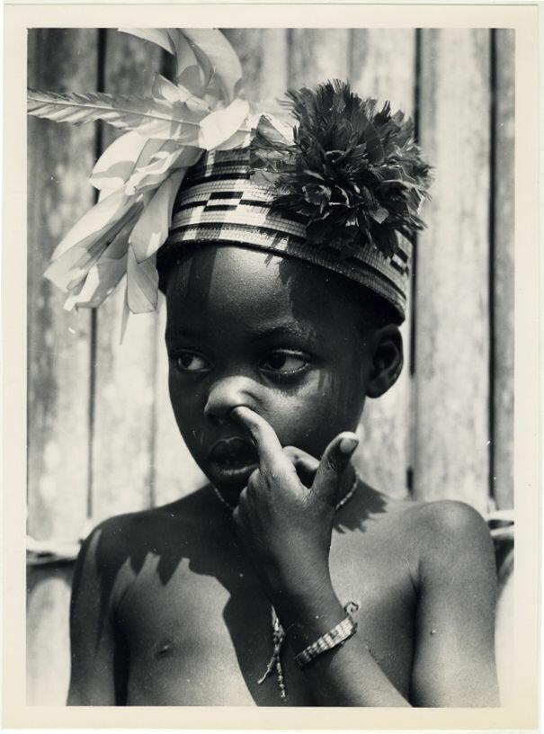 1948. Ребенок народности мангбету