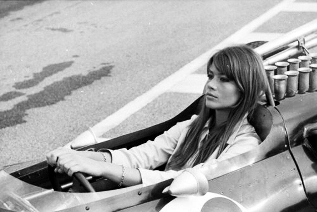 Françoise Hardy in Grand Prix directed by John Frankenheimer, 1966, Here she is relaxing in an Eagle Westlake 1.jpeg