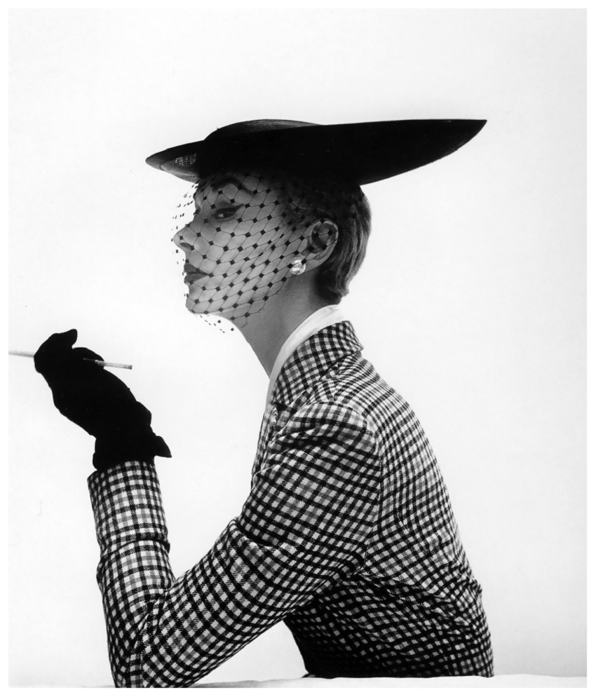 0 Lisa Fonssagrives wearing a bicorne skimmer by Lilly Dachè, Vogue, Feb. 15, 1950 Photo Irving Penn.jpg