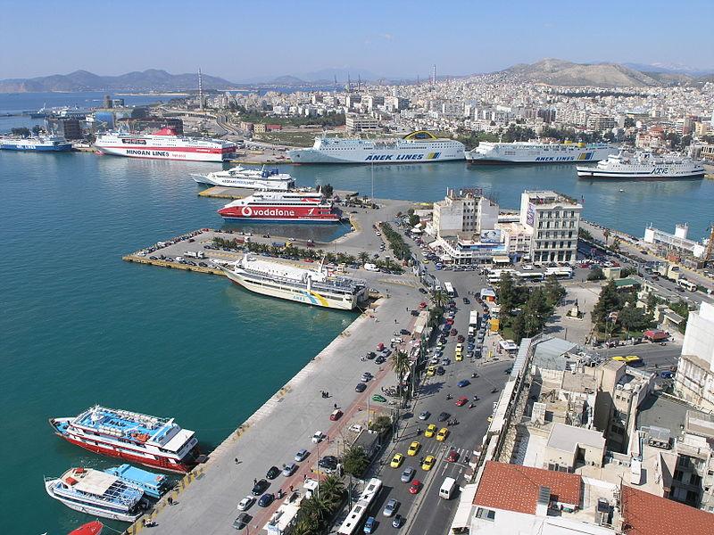 800px-Port_of_Piraeus.jpg