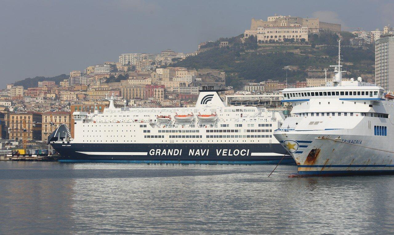 Неаполь. Паромные терминалы.