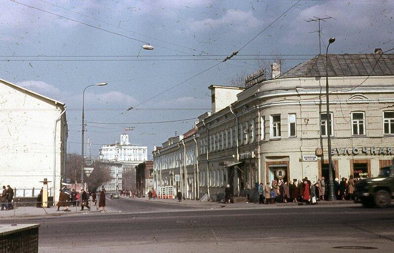 148724 Селезнёвская ул Юрий Славин 1981.jpg