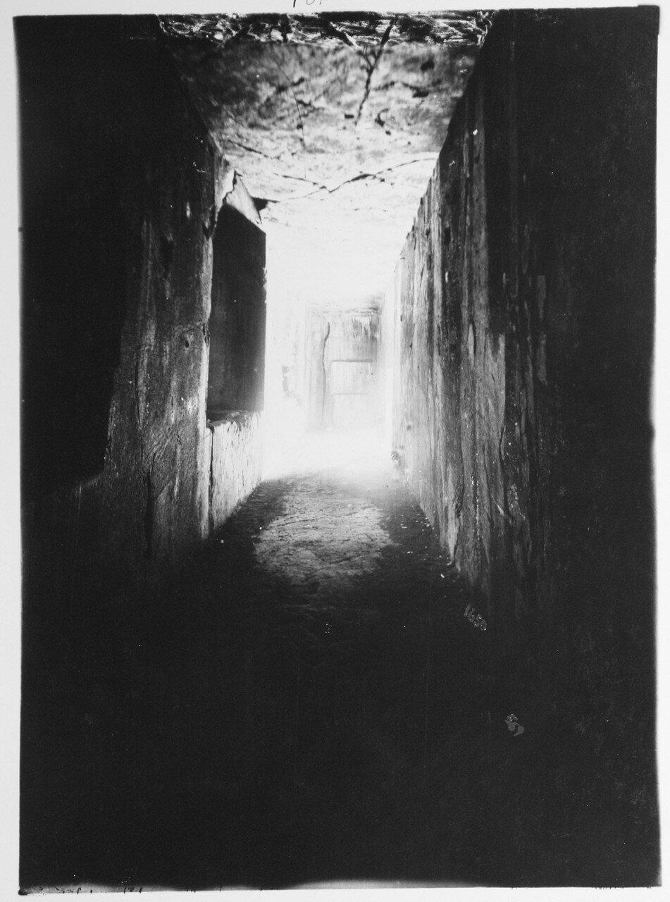 Накше-Рустам. Гробница царя династии Ахеменидов Дария I. Внутренний вид