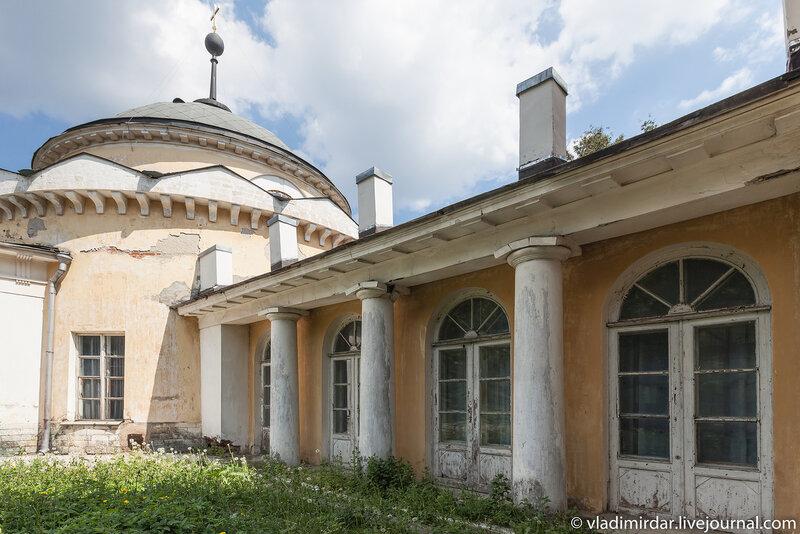 Храм святителя Дмитрия Ростовского. Усыпальница Волконских.