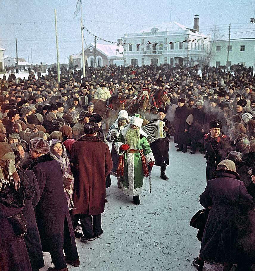 1969 Праздник русской зимы в городе Суджа Курской области Б. Кузьмин2.jpg