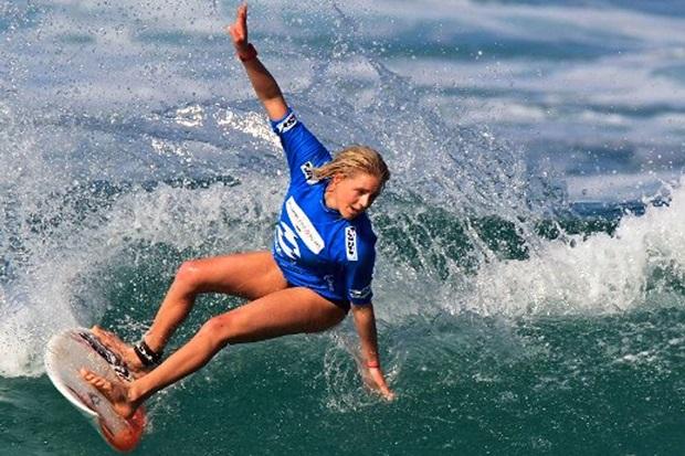 Красотки на волне успеха. Истории самых красивых девушек серфингисток