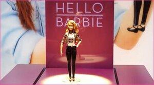 Hello Barbie - говорящая кукла, которая может поддерживать диалог с собеседником
