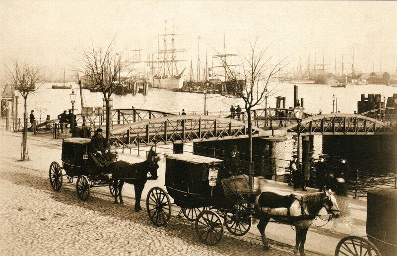 Landungsplatz der Dampаschiffe in St. Pauli