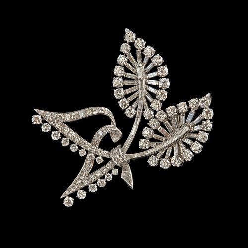 Van Cleef & Arpels - A Brooch 146 brilliant and baguette cut diamonds