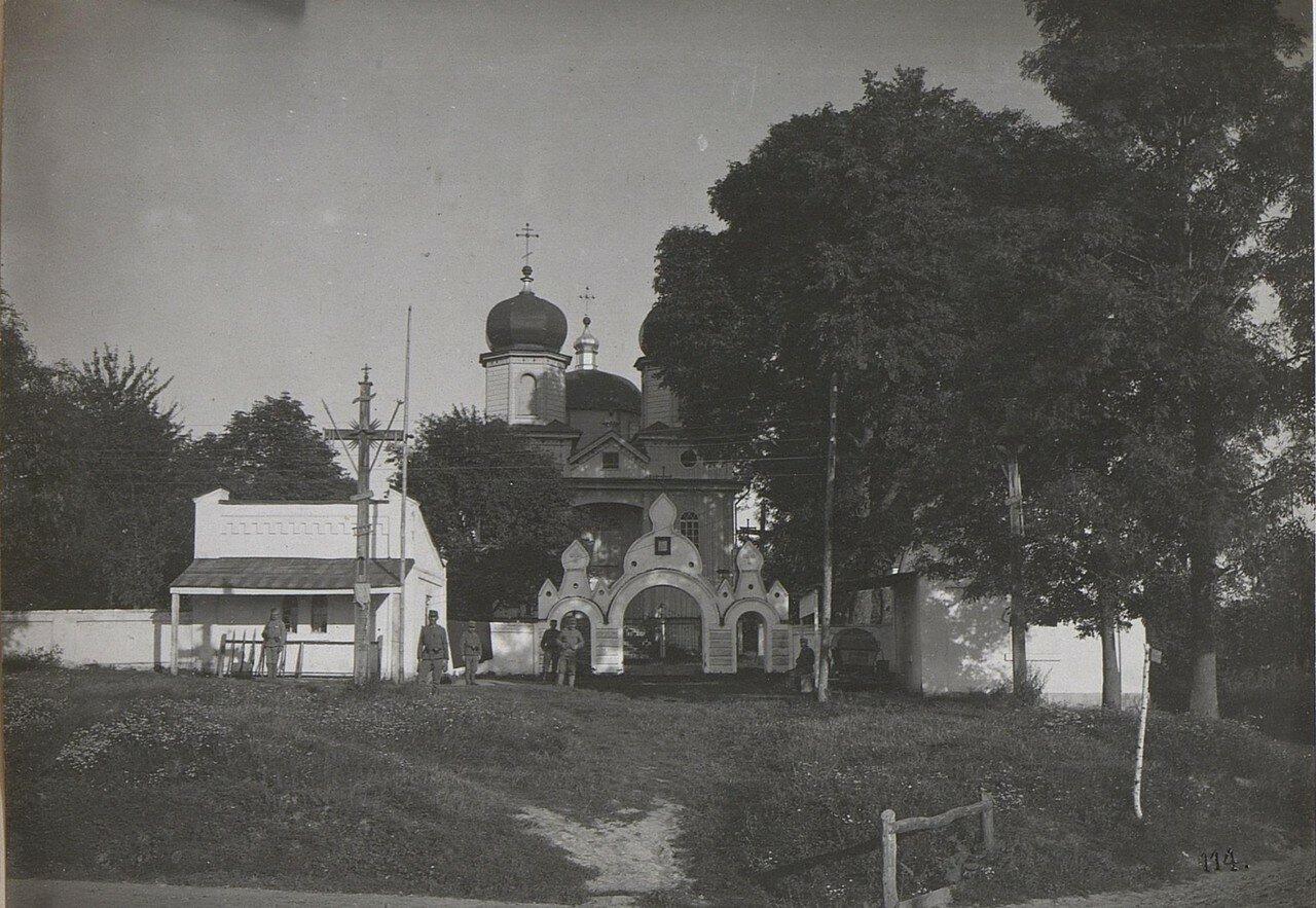 Микуличи. Церковь и охрана станции