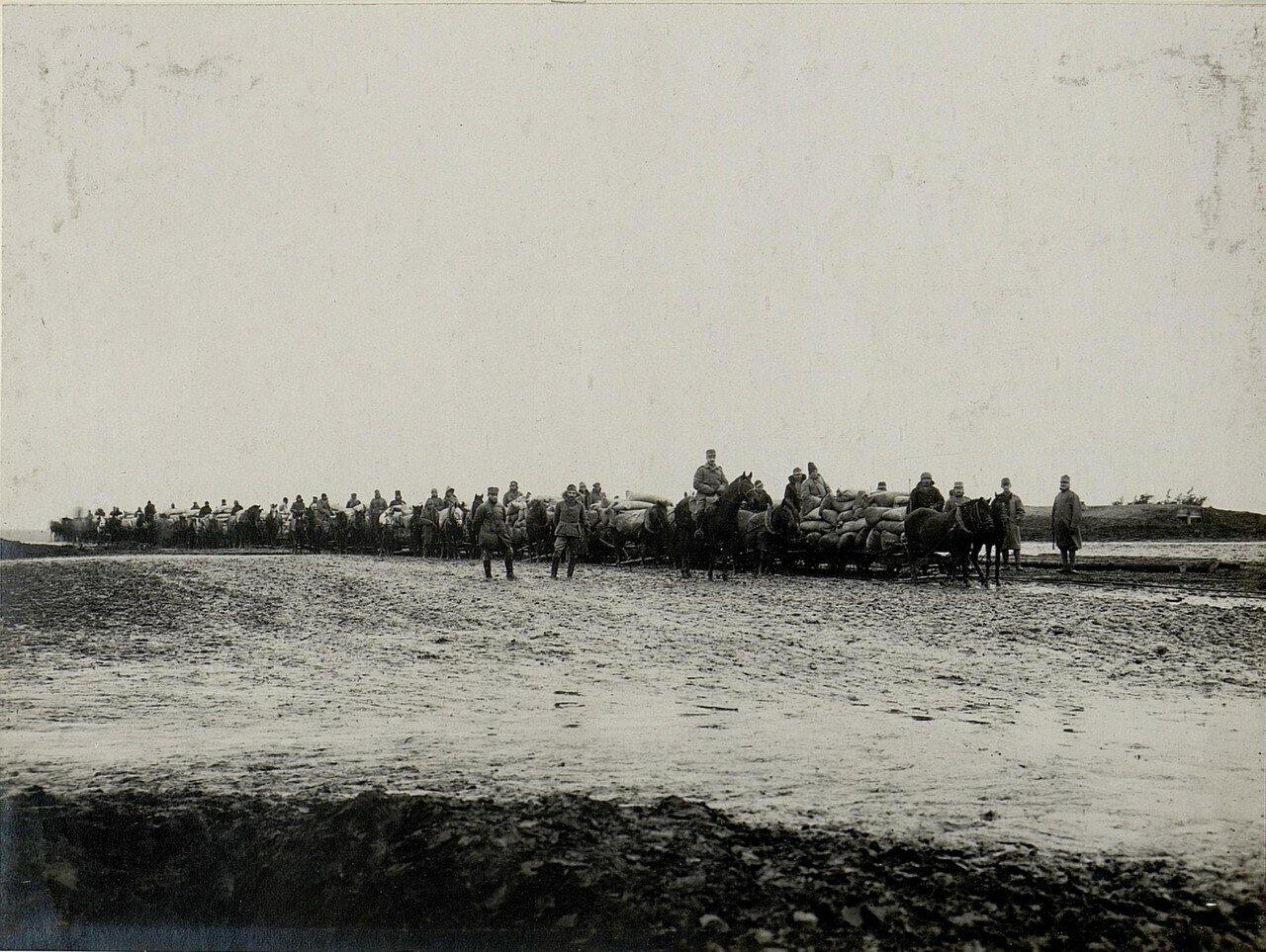 Острожец. Прибытие подвод на железнодорожную станцию  28 января 1916