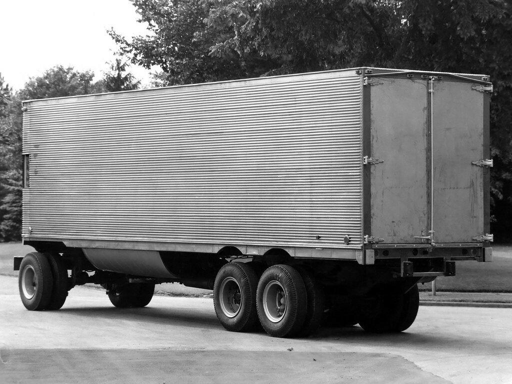 Fageol TC CargoLiner '1950 3.jpg