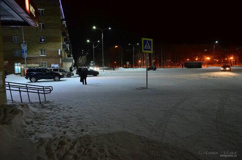 Фотография Инты №7365  Площадь Комсомольская (Горького 1 и Бабушкина 1) 23.12.2014_17:57