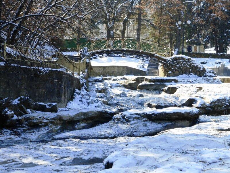 Мостик Дамский каприз через речку Ольховку