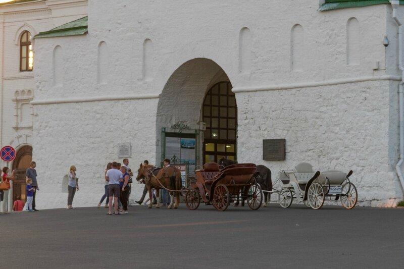 Лошади у ворот Спасской башни