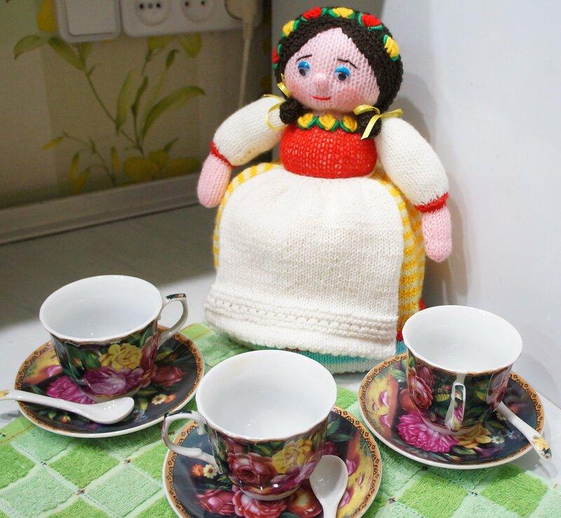Кукла-грелка Аксинья на чайник