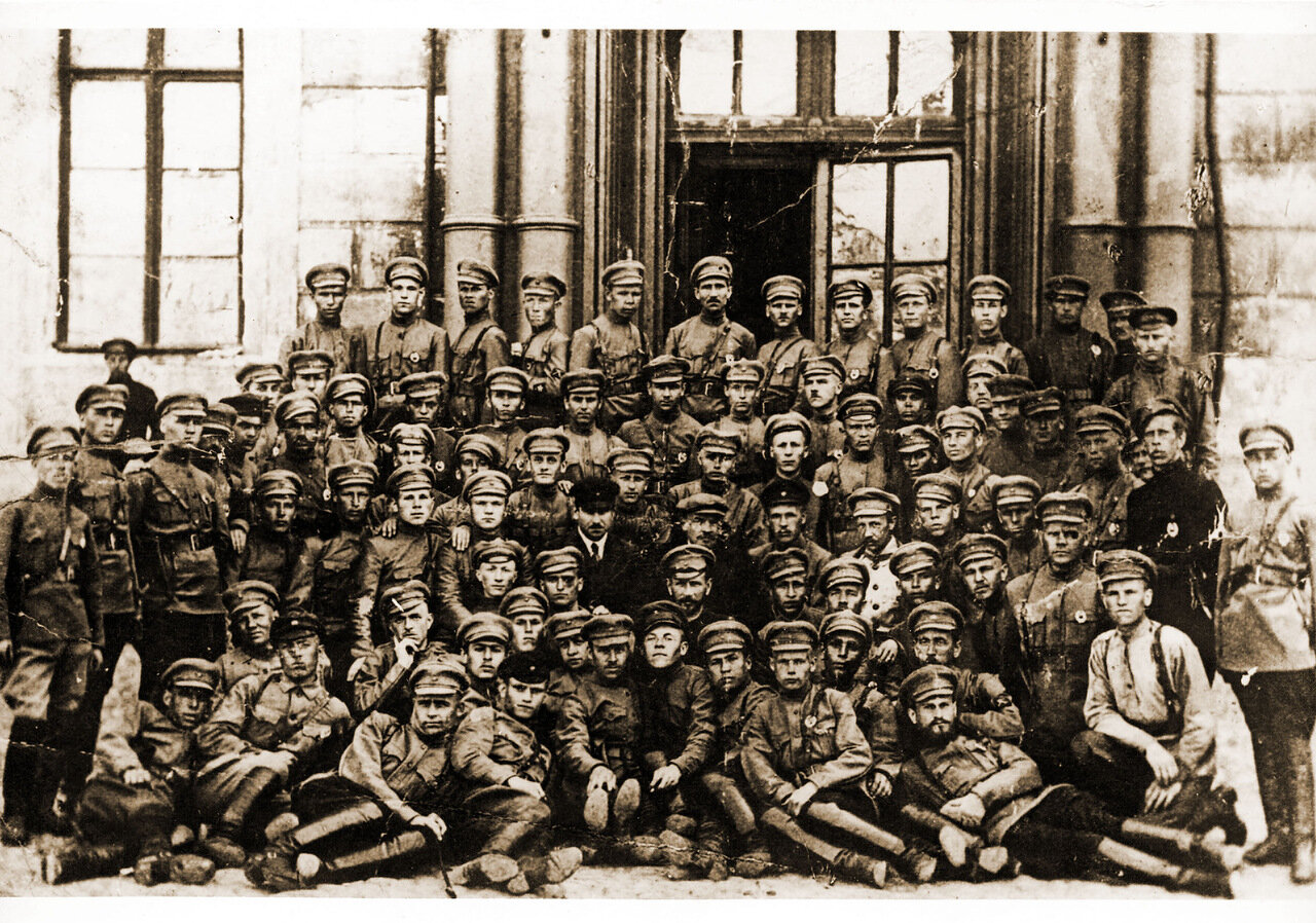 1920. Курсанты-пулеметчики в Кремле