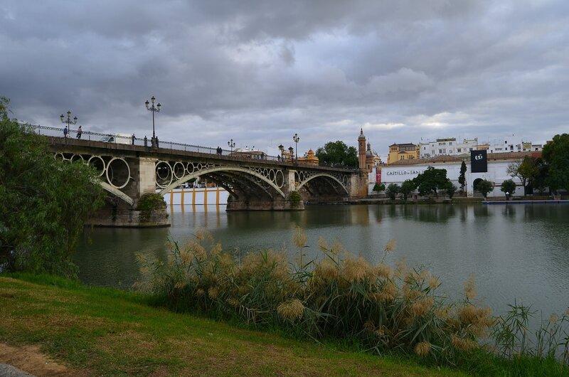 мост через реку Гвадалквивир