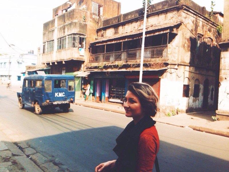 Наши в Индии: стоит выйти на улицу, и ты встретишь весь этот «трэш»