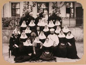 Отряд сестер и братьев милосердия имени императрицы Марии Федоровны, предназначенный для плавучего госпиталя, организованного на пароходе Царица.