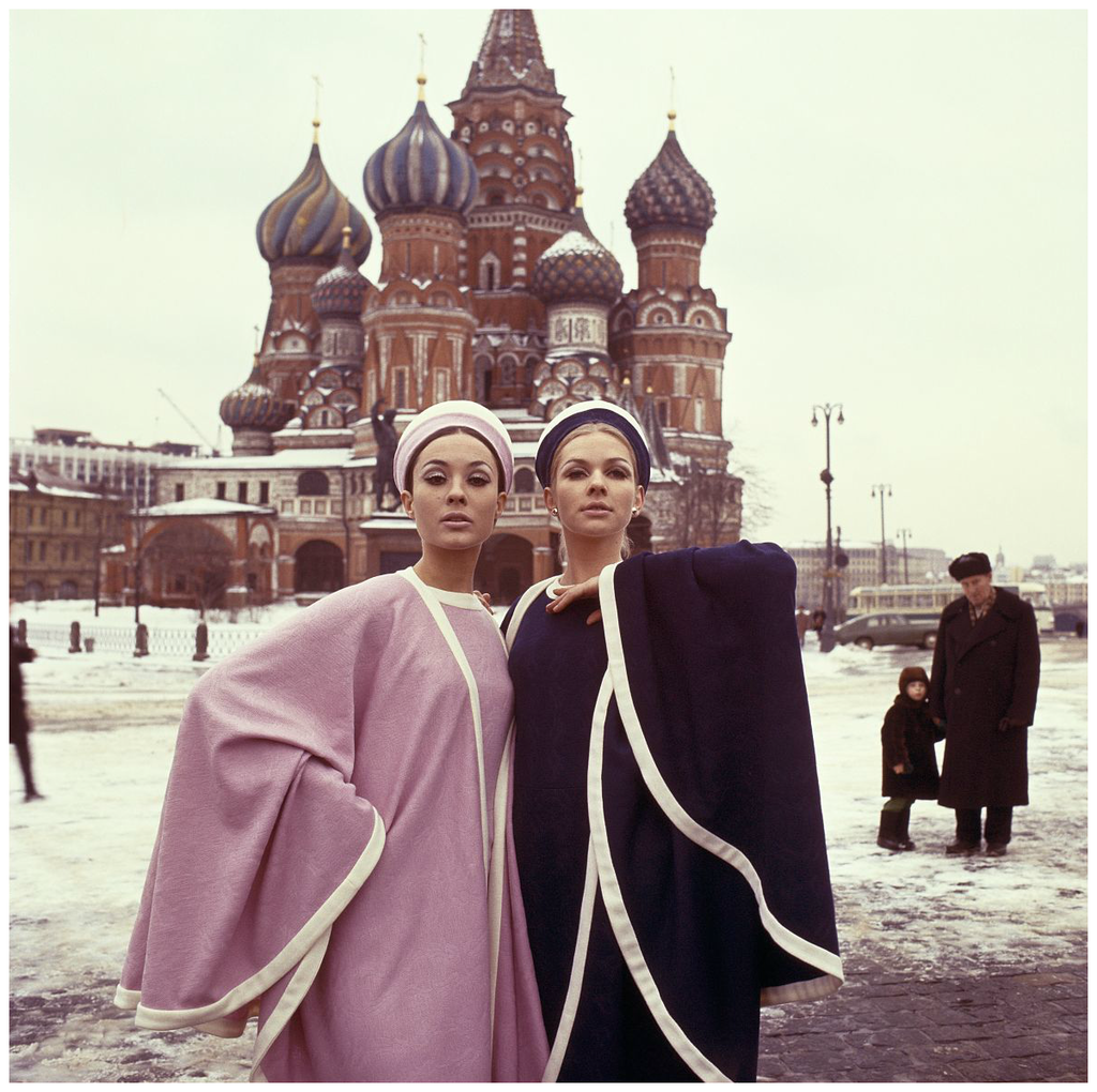 Moscow 1965 fashion shoot for Avenue in Red Square.png