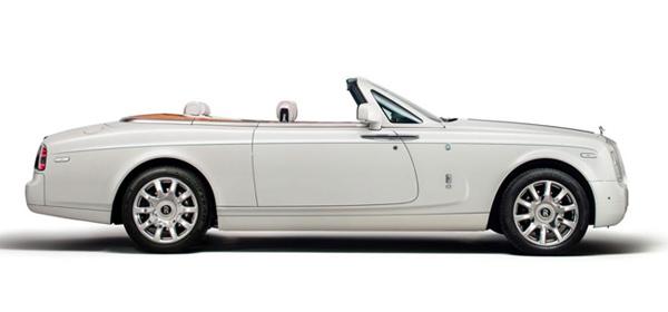 Rolls-Royce продемонстрировал кабриолет для индийских автомобилистов